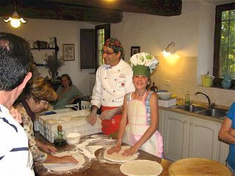 Pizza making course in Tuscany