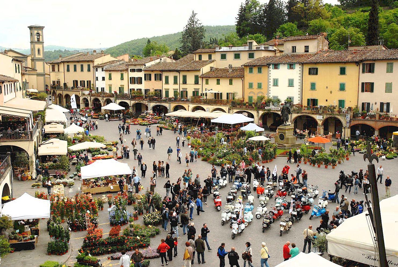 Piazza Matteotti flower festival in Greve