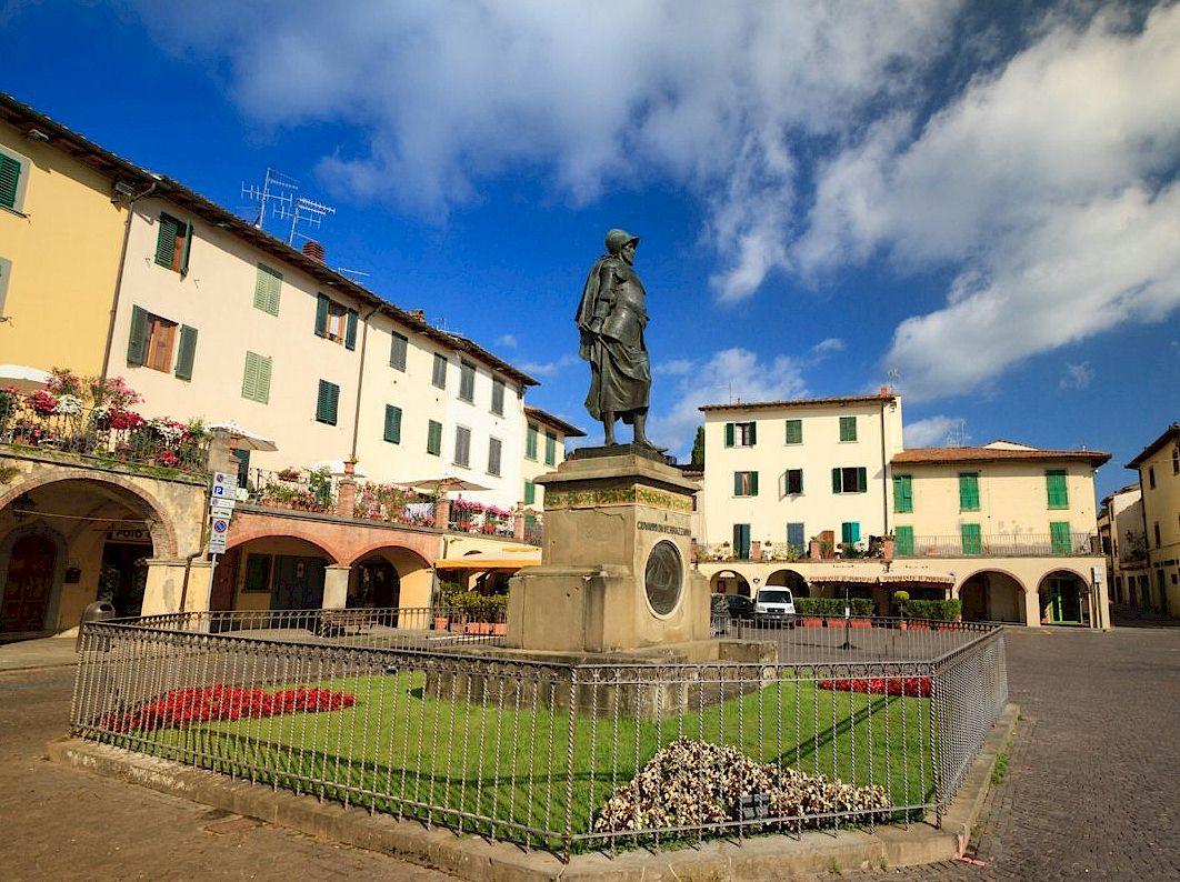 Statue of Verrazzano at Greve in Chianti