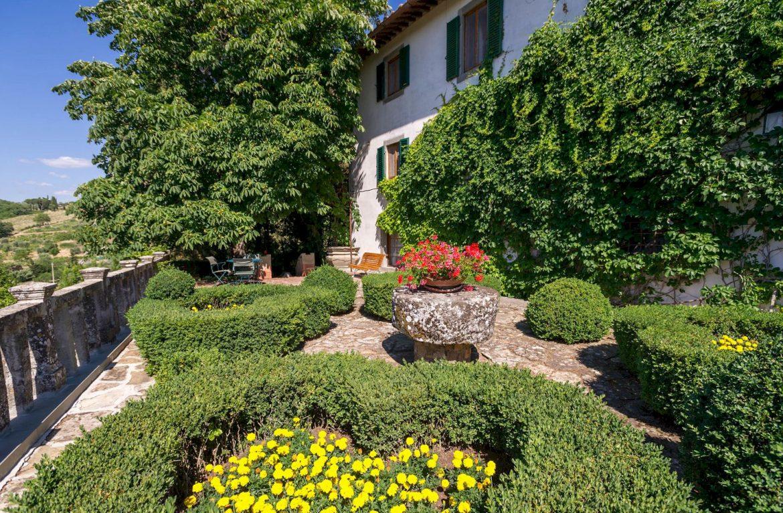 Villa Le Barone luxury Tuscan villa hotel at Panzano in Chianti