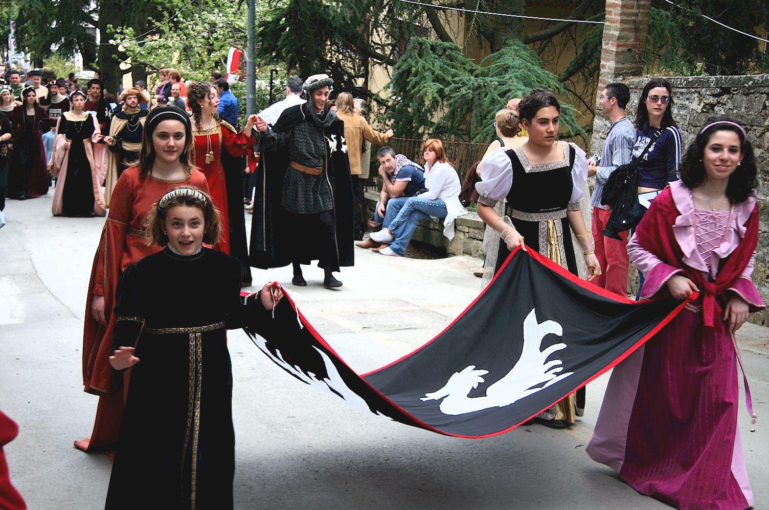 Festa della Stagion Bona costume parade