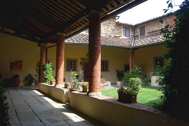 San Leolino at Panzano - cloister