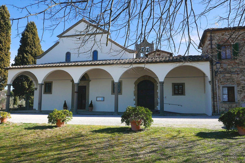 The facade of the Pieve di San Leolino a Panzano
